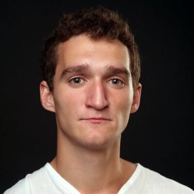 Антон Долгов