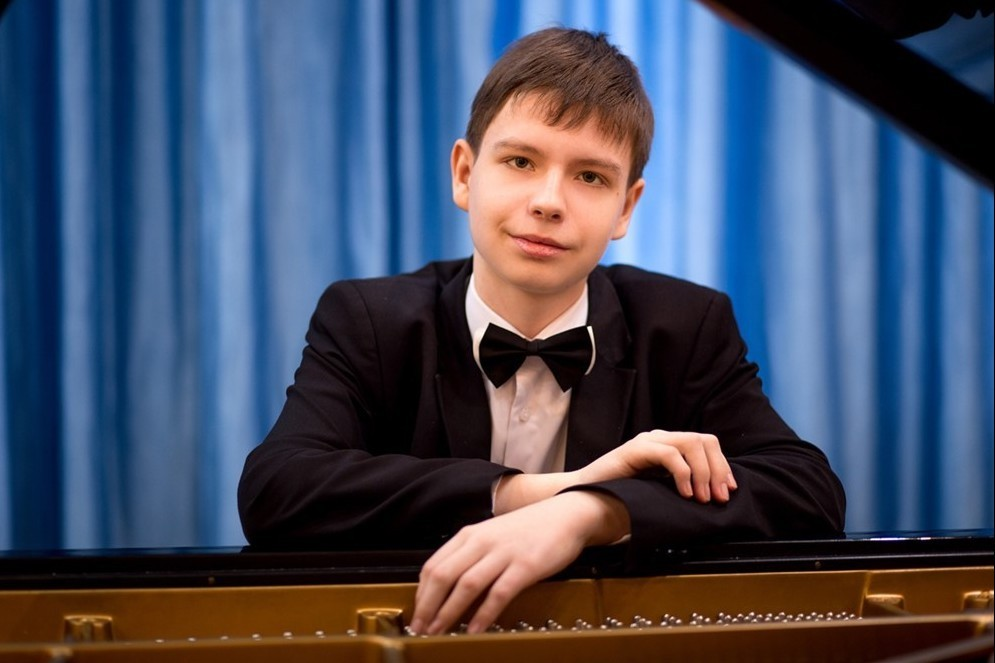 Вечер фортепианной музыки. Виталий Петров (0+)