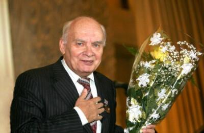 К юбилею Н.Добронравова