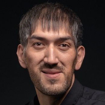 Гарик Айвазов