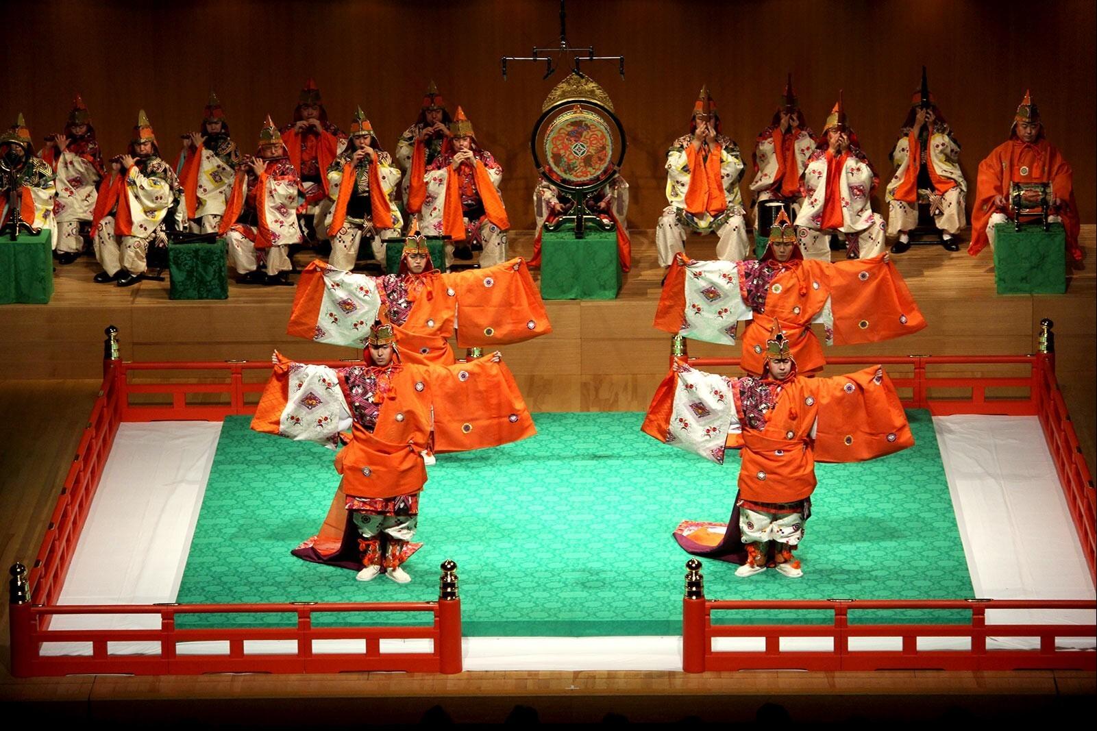 Гагаку – императорская придворная музыка и танцы