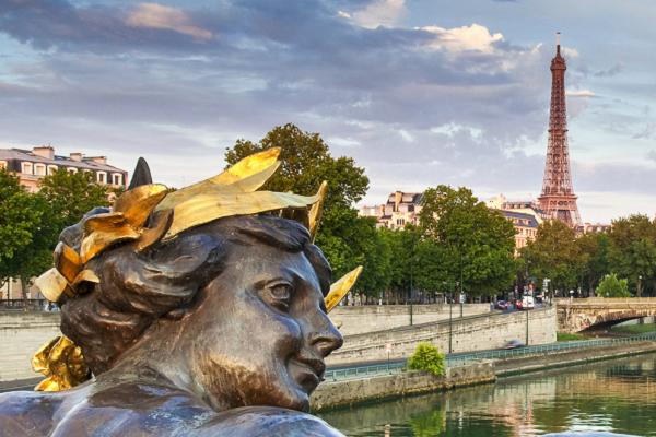 Романтический вечер в Париже