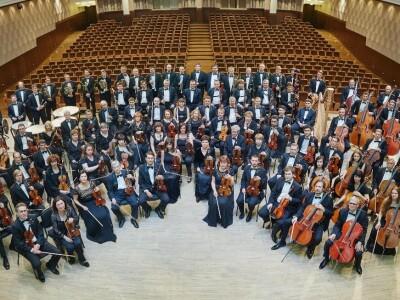 Новосибирский академический симфонический оркестр, дирижёр - Томас Зандерлинг