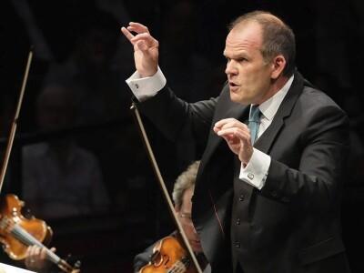 Оркестр Les Siecles (Франция), дирижёр Франсуа Ксавье Рот. Элис Сара Отт (фортепиано)