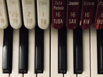 Аб.№16 В гостях у короля музыкальных инструментов. Орган: хорал, токката и ...кино