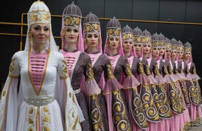 Ансамбль танца «Эльбрус» и Астраханский ансамбль песни и танца