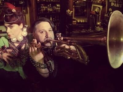 Mardi Gras in New Orleans: The Kikipickles feat. Carlos Santana & Eldar Tsalikov